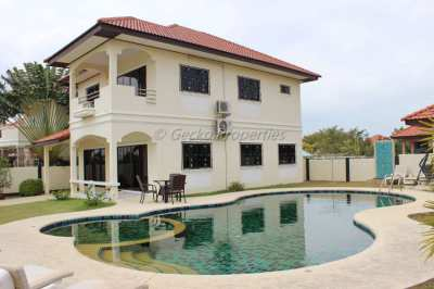 Large swimming pool 5 Bed 3 bath  in Jomtien for Sale