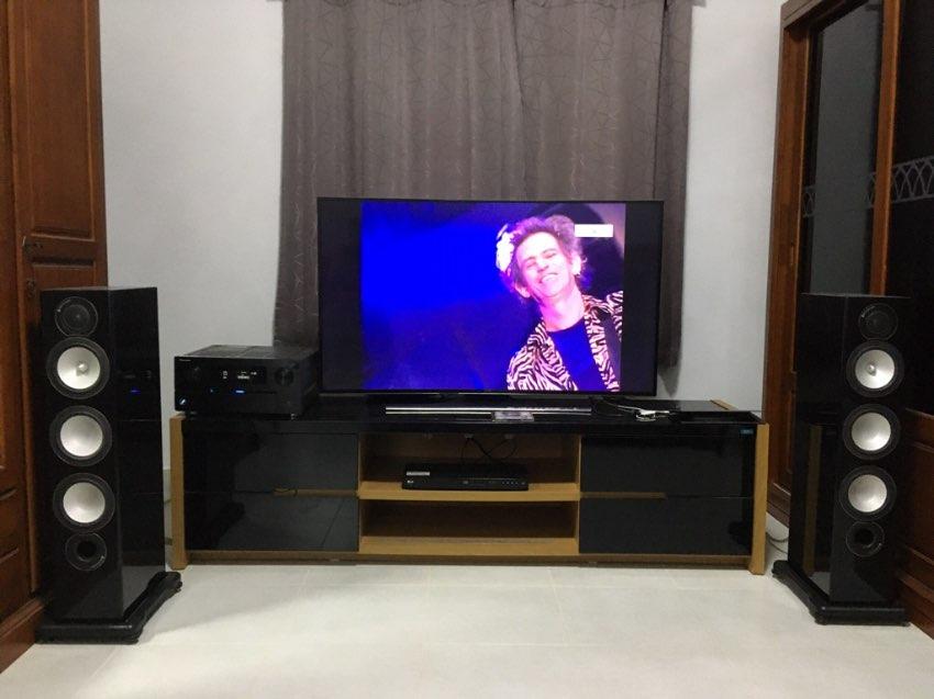Monitor Audio RX 8 speakers