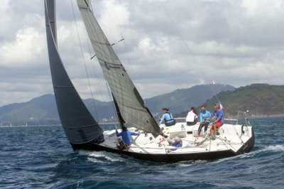 Mum30 Sailing boat. Excellent condition New Yanmar engine.