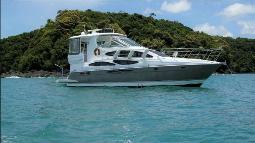 Cruisers 415 Express for sale in Phuket, Thailand