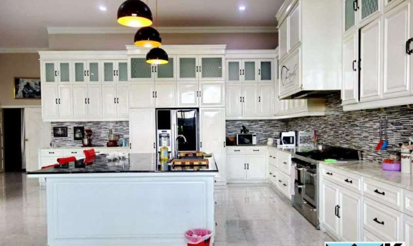 Beautiful house for sale 20 Kms to ChaingRai,4 lane Hwy Mountain view