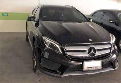 2017 Benz GLA250 black ONLY 22,900KM