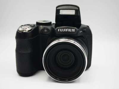 Fuji Fujifilm FinePix S2500HD Digital Black Camera  (28-504mm), EVF