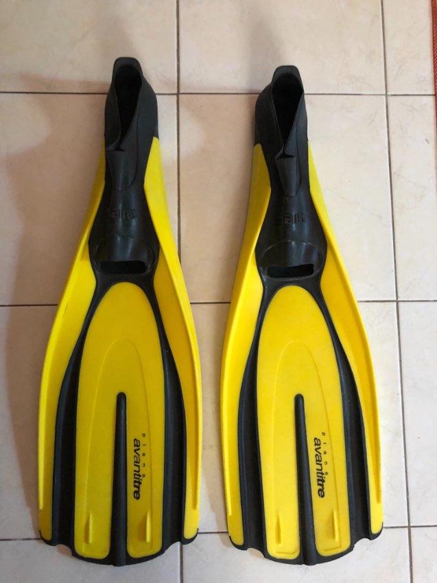 Mares Plana Avanti Tre Flippers size 42/43, 8.9 FREE SHIPPING