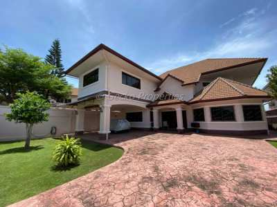4 bed 6 bath House for sale with private pool in Mabprachan