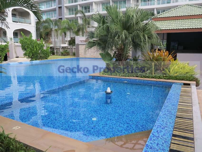 Pool view 1 bed 1 bath Condo  for rent in Pratumnak