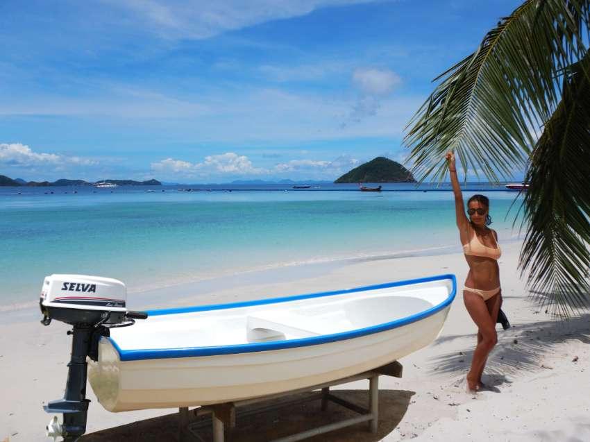 BEST DEAL  <<  38000 baht >> NEW  Fiber Boat + Good Engine 6hp 2 strok