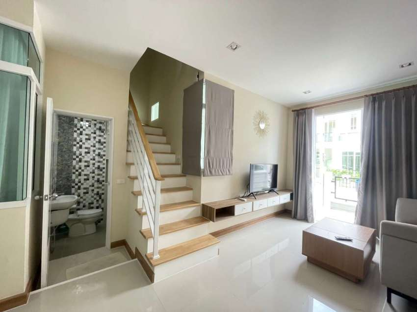 0099994: Golden Town House Soi Khaotalo 7 4BR 150 sqm for rent