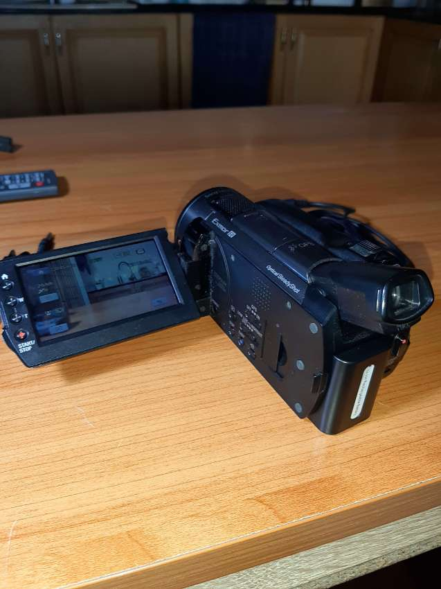 Sony HD camcorder with accessories - works great