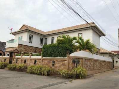 Stunning Luxury 2 stories Pool Villa for sale,