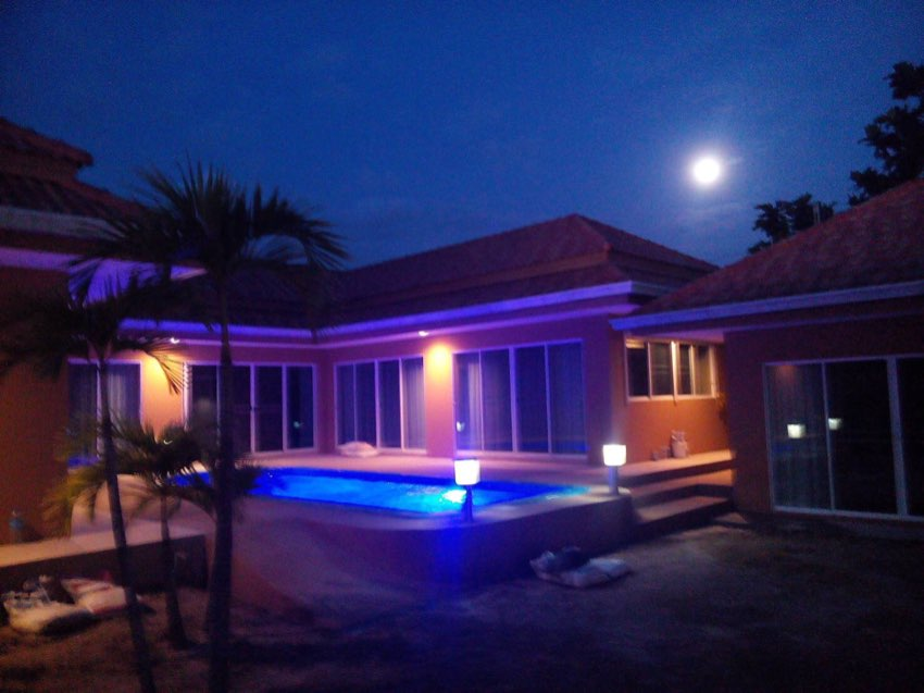 Pattaya. Looking for a spacious house with a swimming pool for rent