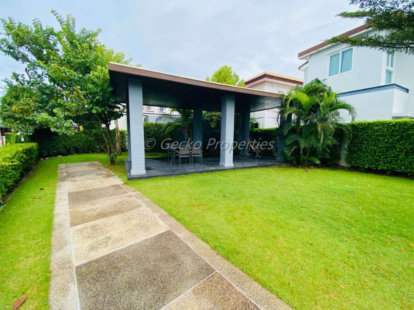 """3 bed 3 bath house for rent in """"Patta Let"""", East Pattaya."""
