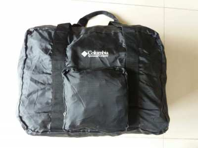NEW EXCELLENT COLUMBIA SPORTS BAG!
