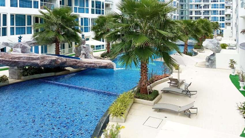 Grand Avenue Two Bedroom Pool View Rental