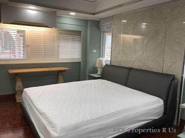 Newly Renovate Condo 2 bed 2 bath at Ruamjai Heights