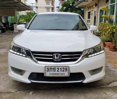 HONDA ACCORD 549,000 baht 103,000 km