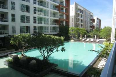 Large 3 Bed, 3 Bath Condo at Reduced price, close to Beach