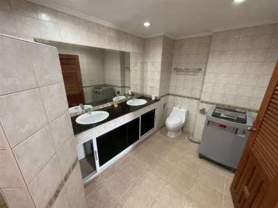 103 M2 Huge One Bedroom Corner Condo View Talay 2A Rent or Sell