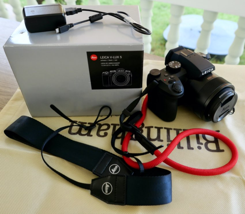 LEICA V-LUX 5 ……. LIKE NEW