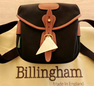 BILLINGHAM HADLEY DIGITAL CAMERA BAG … LIKE NEW