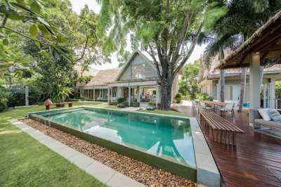 LUXURY 4 BEDROOMS SEAVIEW VILLA - TALING NGAM ( can walk to the beach)