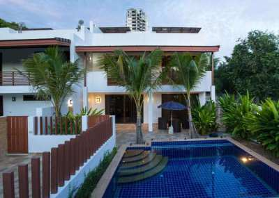Amazing 3 bedroom pool villa only 80 meters from the beach in Rayong!