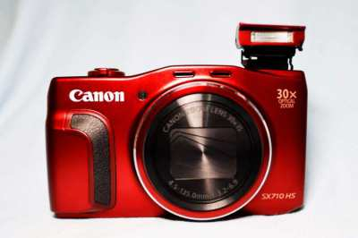 Canon PowerShot SX200 IS and SX710 HS Wi-Fi NFC cameras