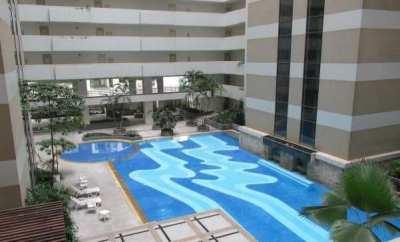 Luxury condo. Walk 3 min to BTS Ratchadamri & 9 Min to Central World