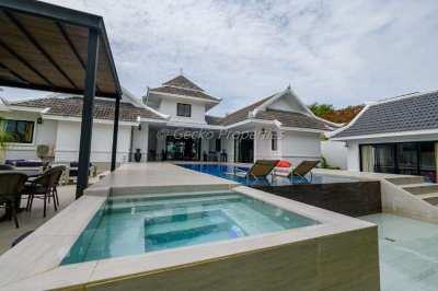 5 bed 6 bath with private pool House for sale in East Pattaya