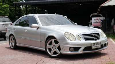 2006 Mercedes-Benz E500 5.0 W211 Elegance Sedan