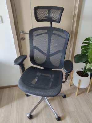 เก้าอี้ทำงานเพื่อสุขภาพ Ergotrend ราคาเต็ม 25,200 ฐานอลูมิเนียม