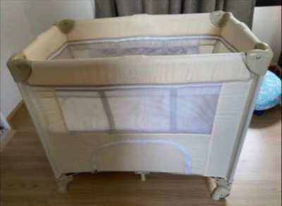 Baby foldable bed