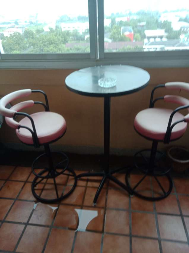 1 table and 2 chairs