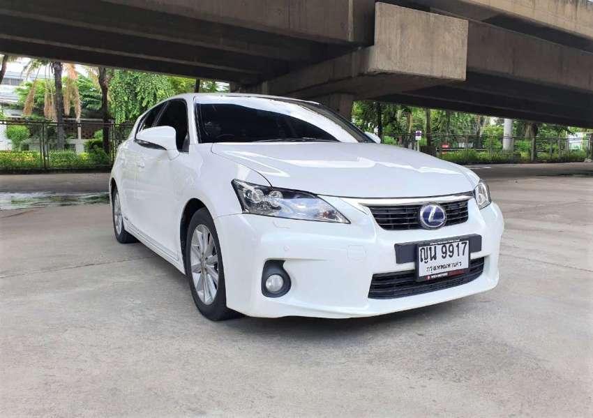 Lexus CT 200h Hybrid  2012