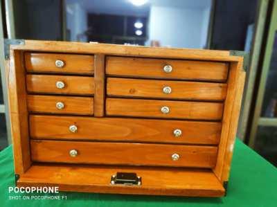 8 drawer lockable chest
