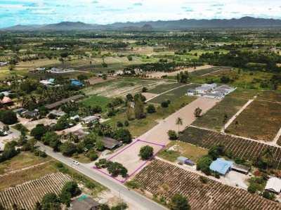 Land 300 T.w. for sale in Hua hin soi 112 (Thung yao)
