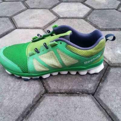 ขายรองเท้ารีบุ๊คสีเขียวsize42.5