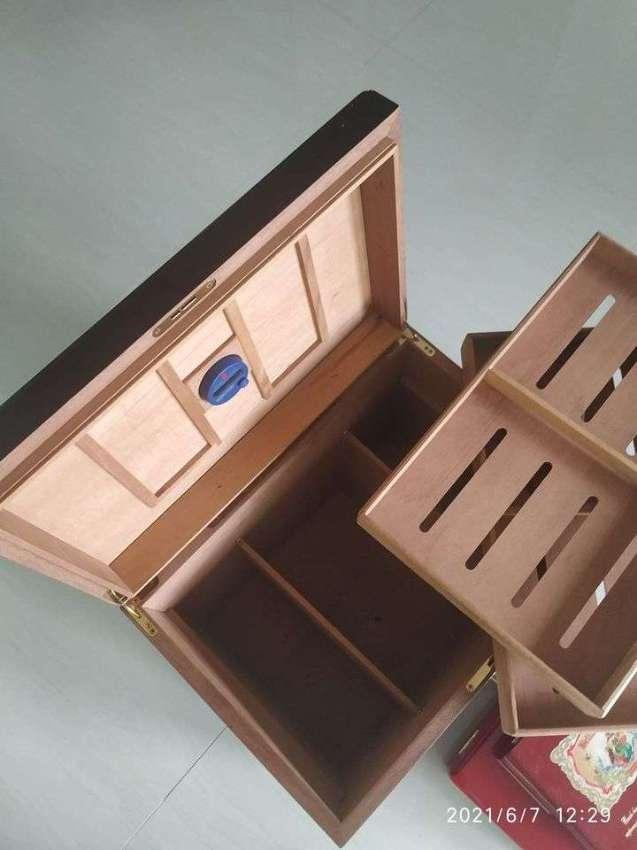 Cigar Humidor (Huge)