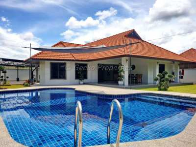 3 bed 4 bath with private pool House for sale in east Pattaya