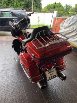 Harley Davidson Ultra Glide.