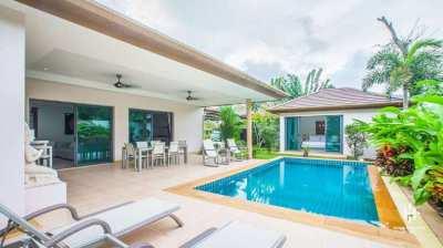 3 Bedroom Pool Villa close to Boat Avenue