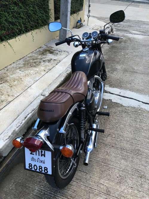 • Kawasaki W250 • Retro Classic Bike •