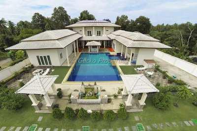 7 bed 6 bath pool villa House for sale in Huay Yai