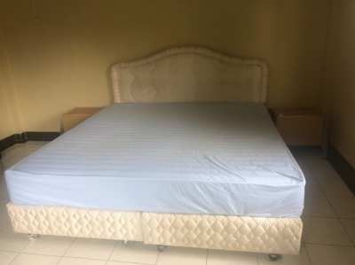 King size bed, bed with mattress 1,80m x 2,00m, 6 feet bed