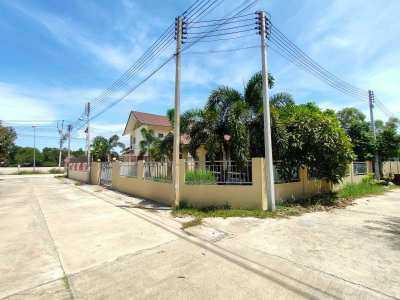 Excellent 3 BR 2 Bath Home Location - Only 825 Meters to Cha-am Beach!