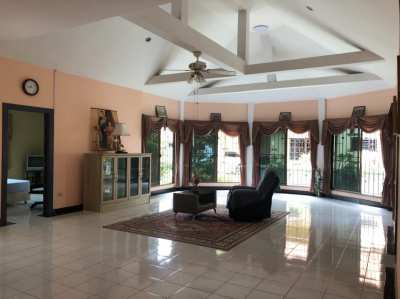 3- bedroom house for Rent in Pattaya Hill 1,House for RENT Soi Khaonoi