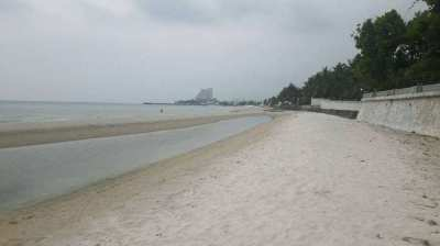 Best location in Hua Hin....50 meters from the beach