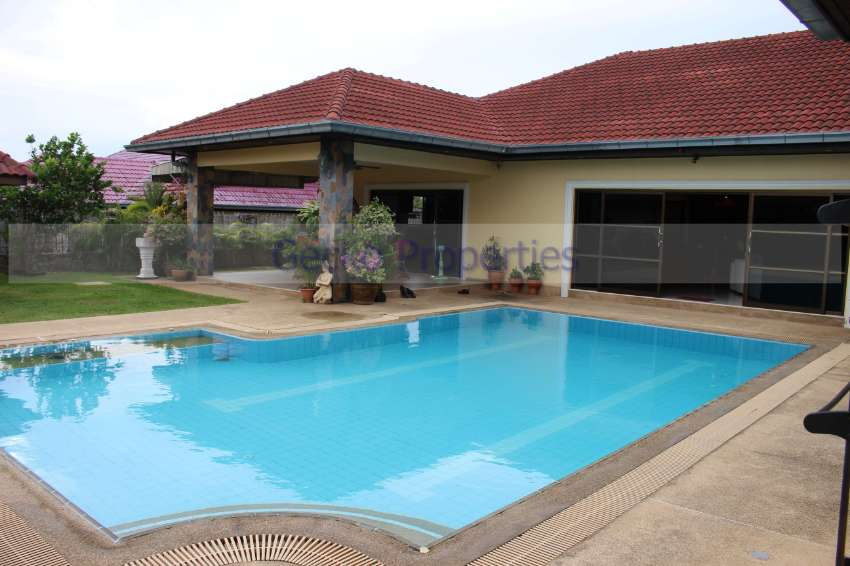 5 bed 4 bath with private pool House for rent Near Crocodile farm