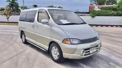 Toyota Granvia mini bus