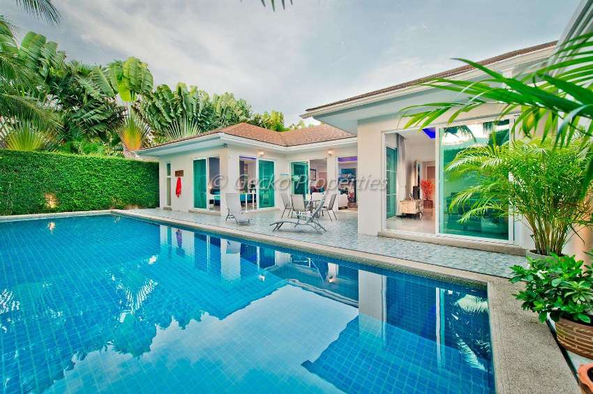 3 bed 2 bath Pool villa  hose for sale in East Pattaya